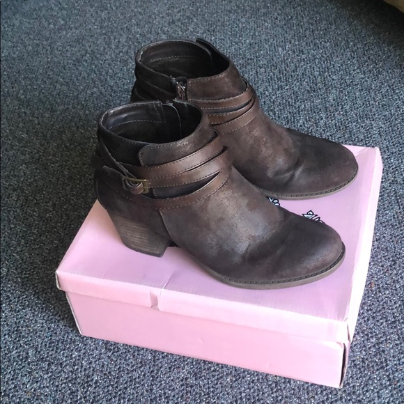 Crown Vintage Brown Carlton Bootie Size 7.5